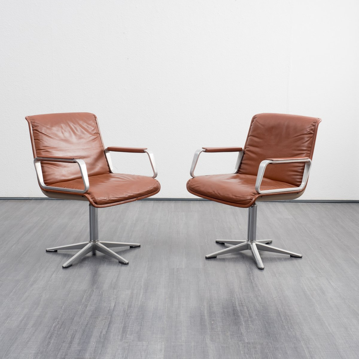 Vintage series 2000 executive chair by delta design for for Chair design 2000