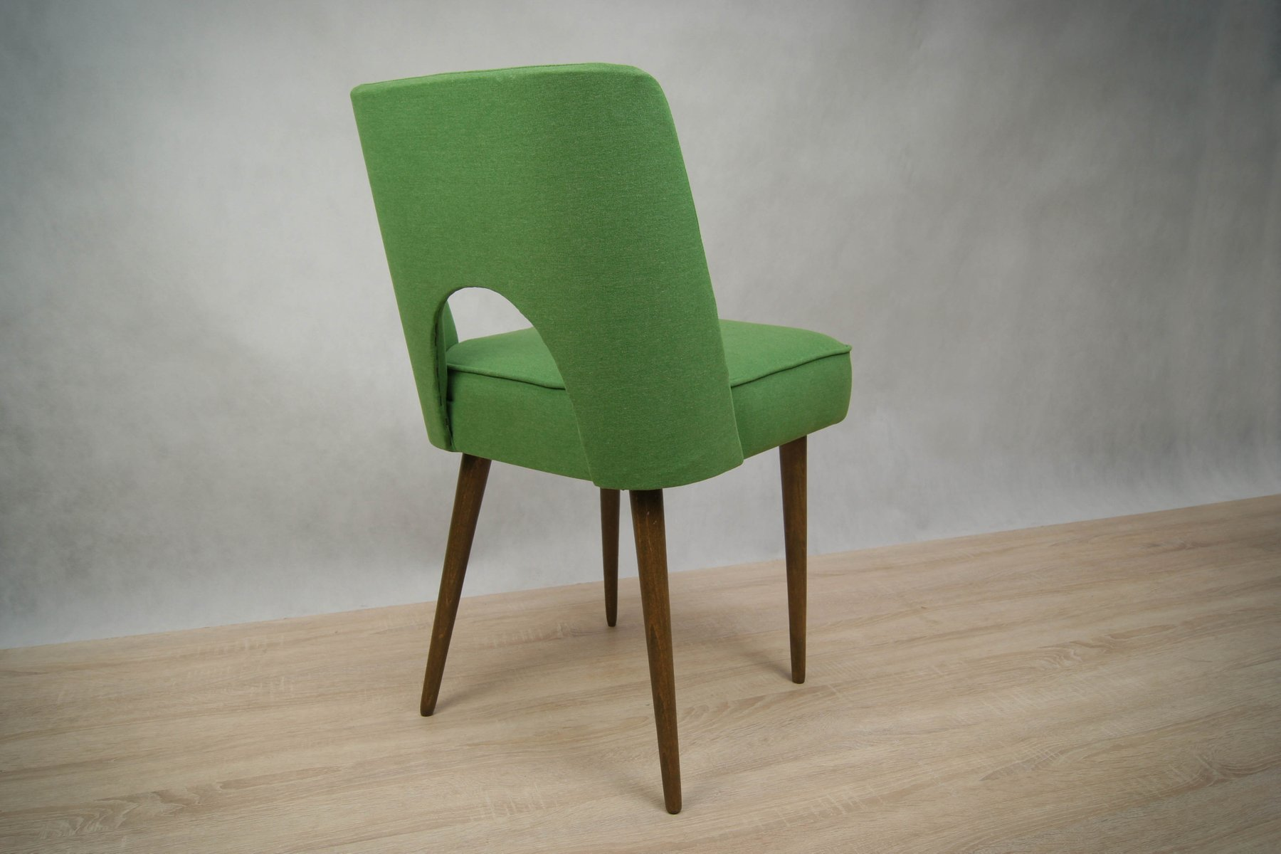 polnische schalen st hle 1960er 2er set bei pamono kaufen. Black Bedroom Furniture Sets. Home Design Ideas