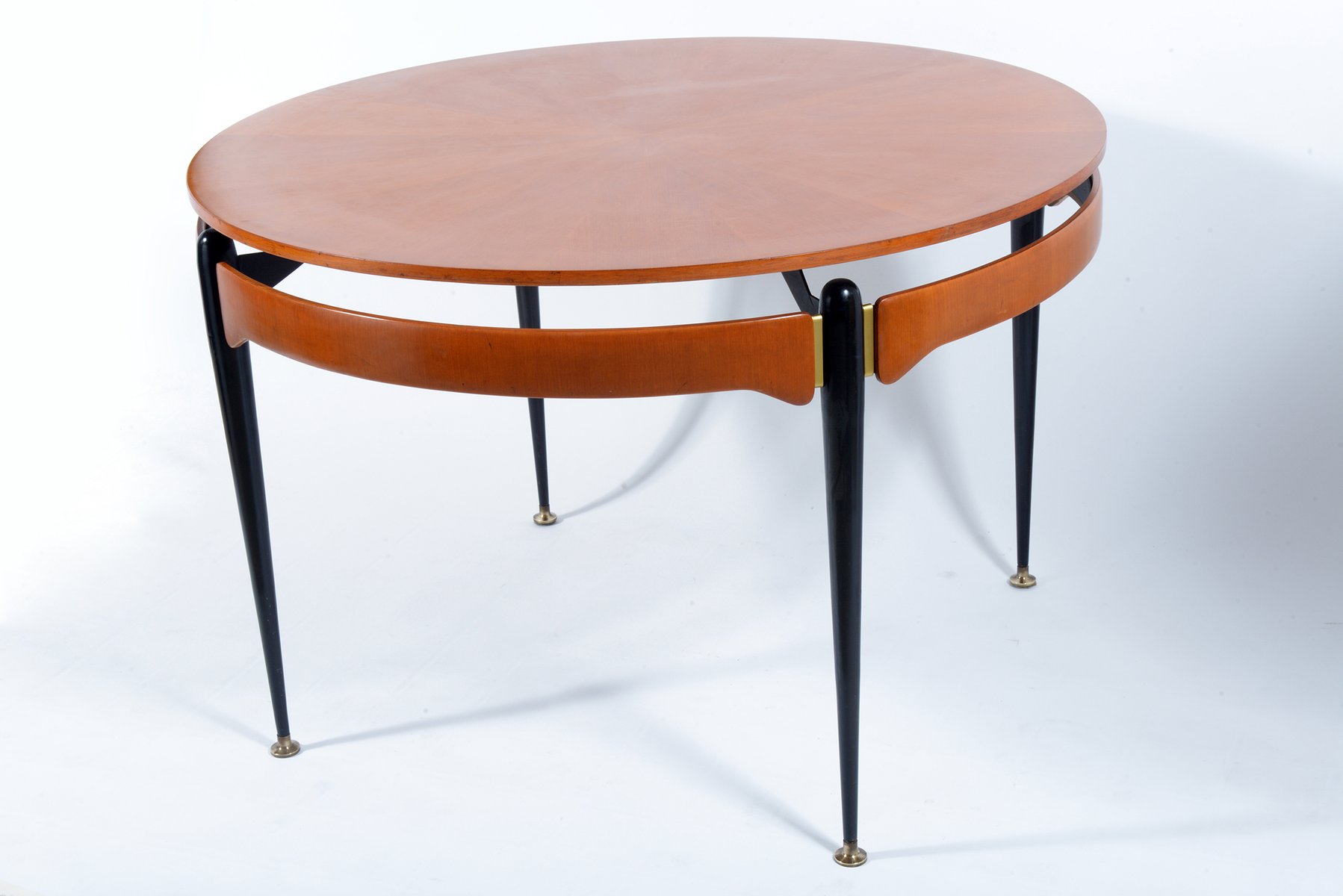 round walnut black metal table 1960s for sale at pamono. Black Bedroom Furniture Sets. Home Design Ideas