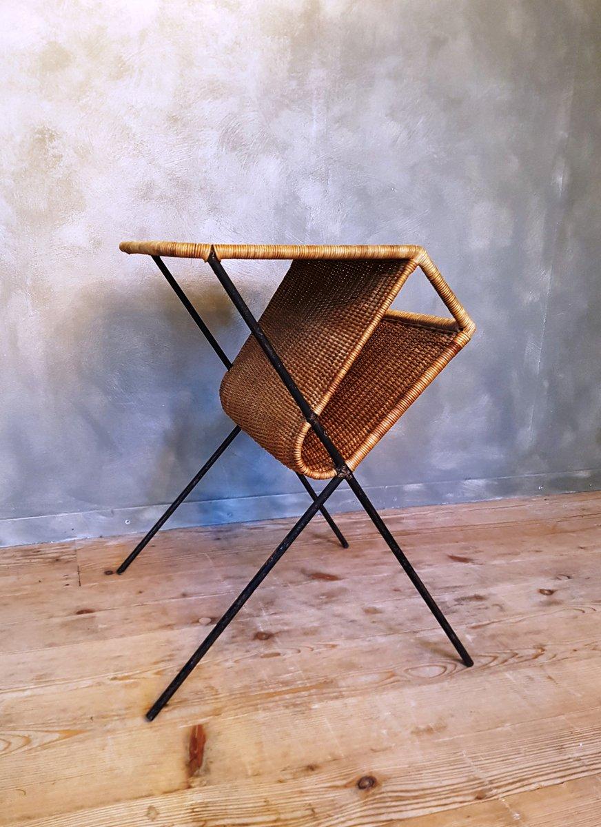 franz sischer rattan beistelltisch mit zeitungsst nder. Black Bedroom Furniture Sets. Home Design Ideas