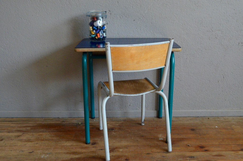 Dark blue school desk chair 1960s for sale at pamono for Chaise qui tourne