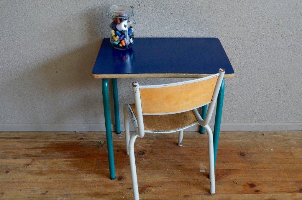 Schul tisch und stuhl in dunkelblau 1960er bei pamono kaufen for Stuhl und tisch verleih