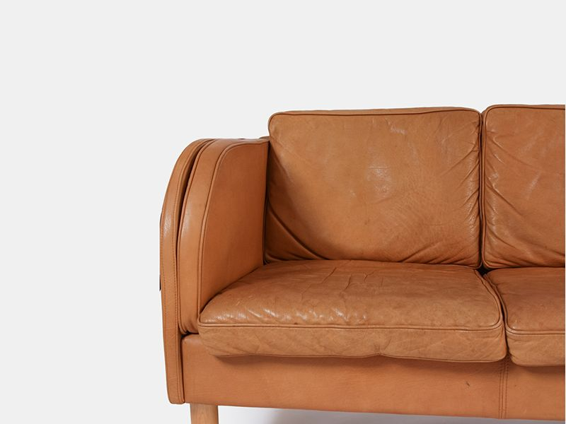 Tan leather sofa tan leather sofa roselawnlutheran thesofa Vintage tan leather sofa