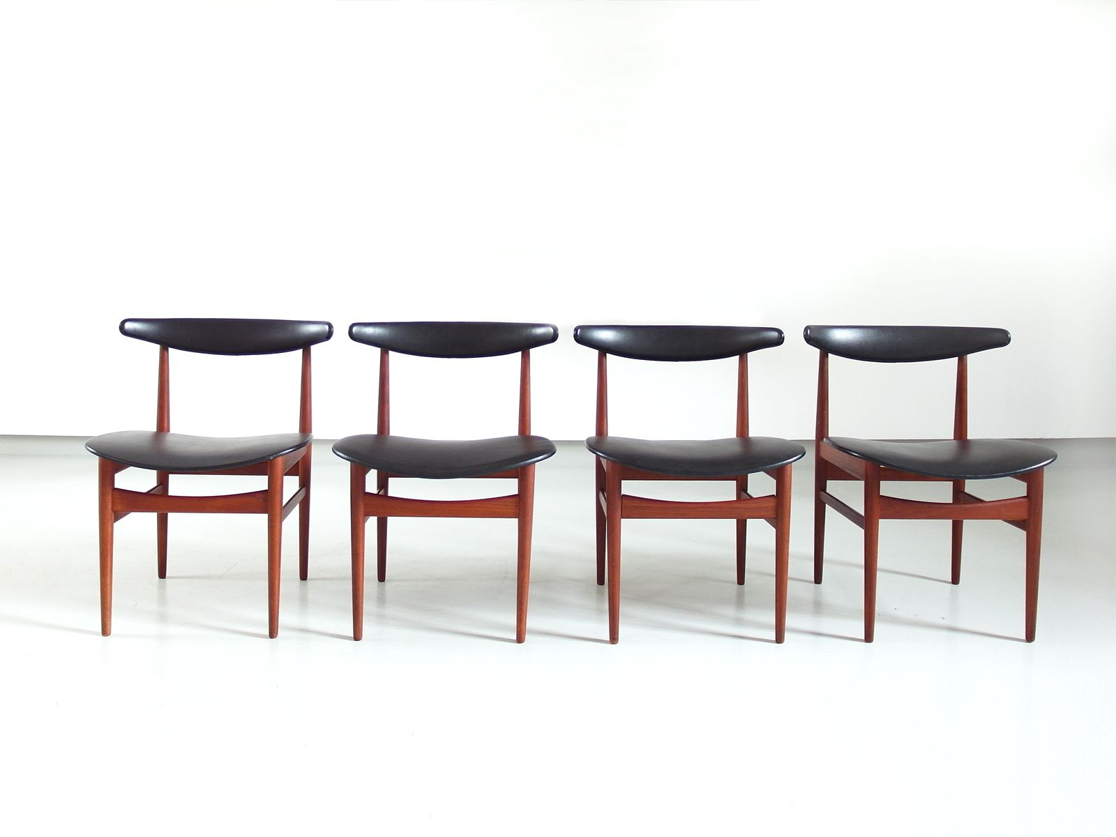 Danish Dining Chairs 1965 Set of 4 for sale at Pamono