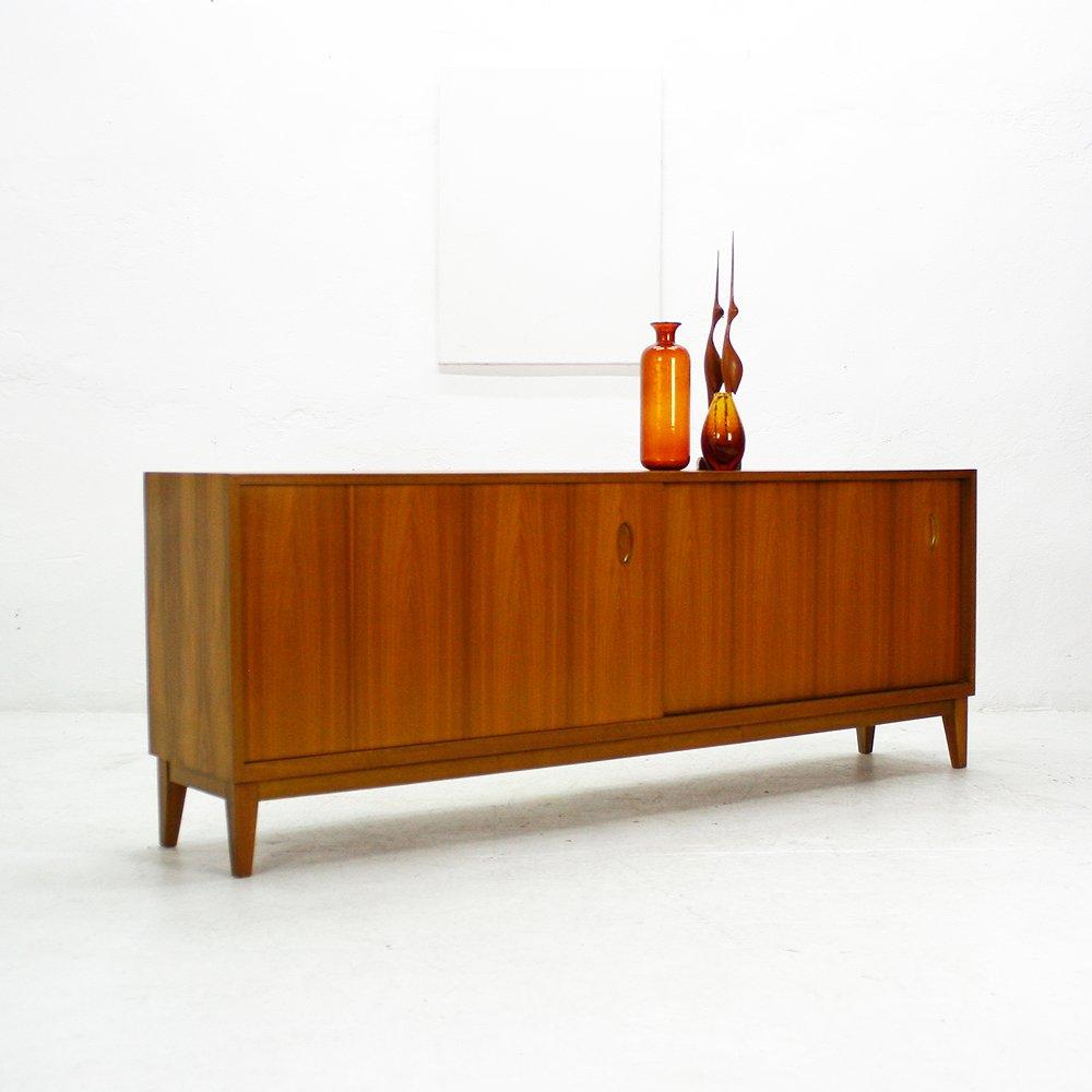 walnuss sideboard mit schiebet ren von wk 1950er bei. Black Bedroom Furniture Sets. Home Design Ideas