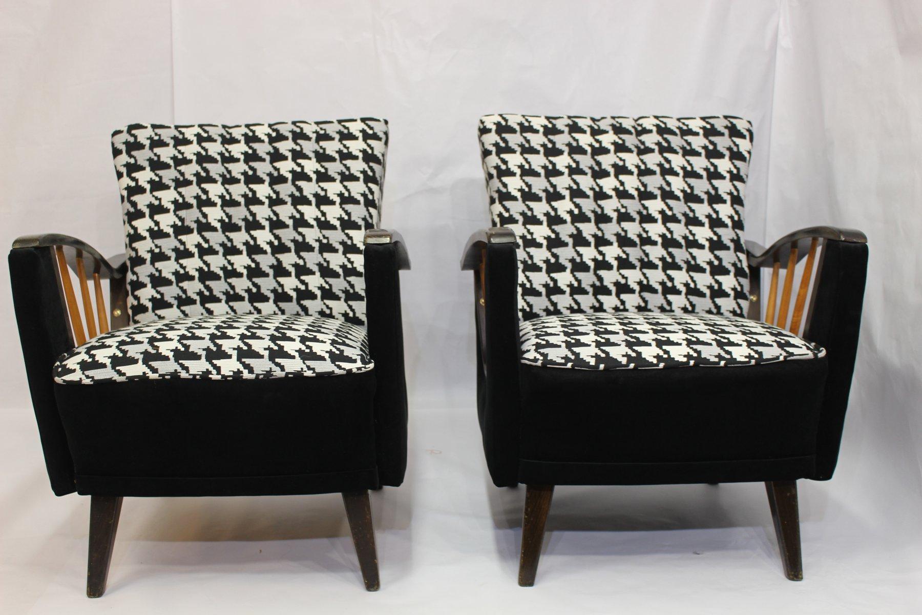 schwarz wei e sessel mit spindel armlehnen 1950er 2er. Black Bedroom Furniture Sets. Home Design Ideas