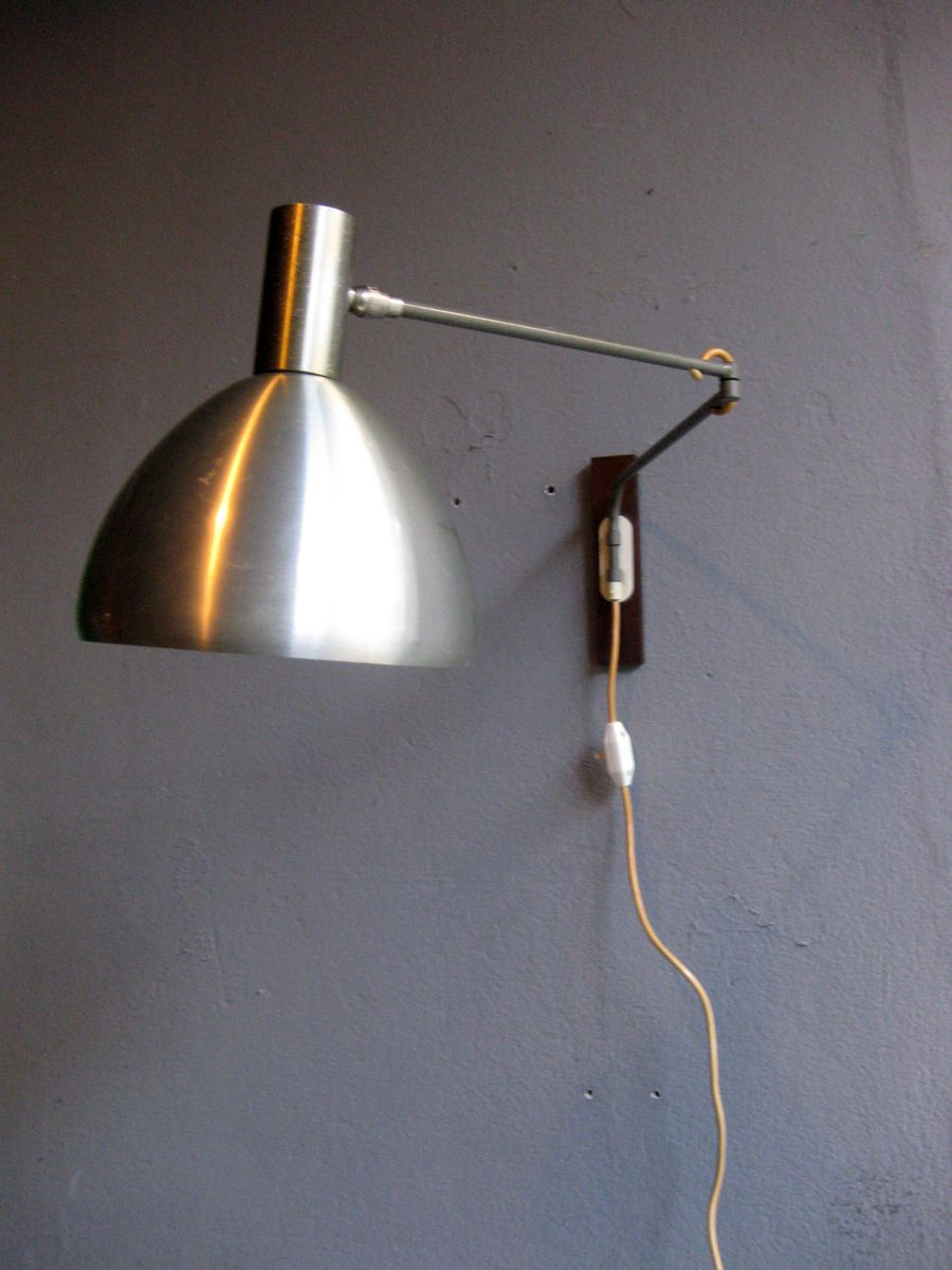 Mid-Century Adjustable Long Arm Wall Lamp for sale at Pamono