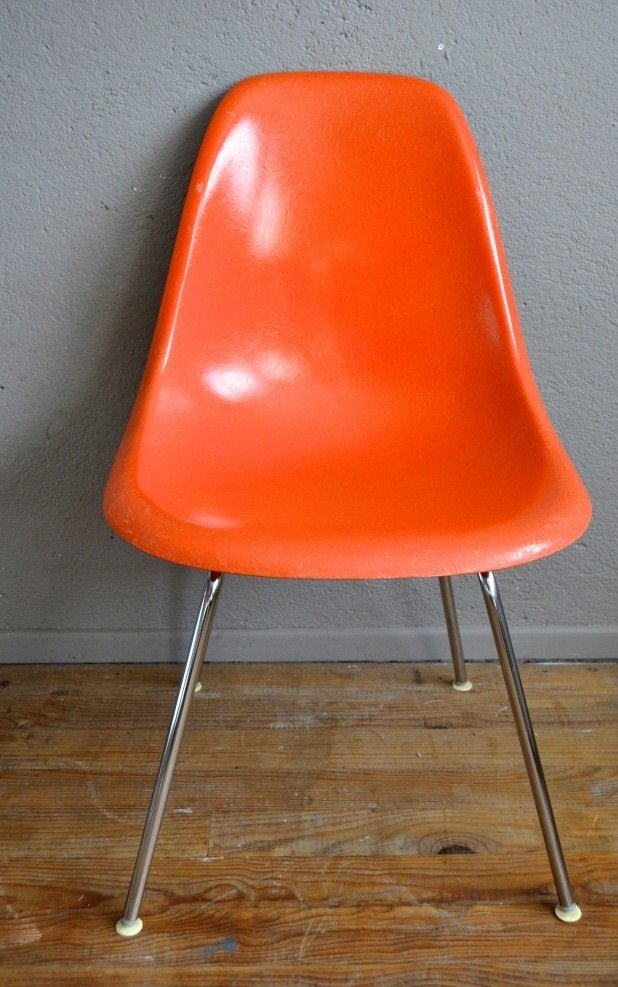 Chaises dsw vintage orange par charles ray eames pour for Soldes eames