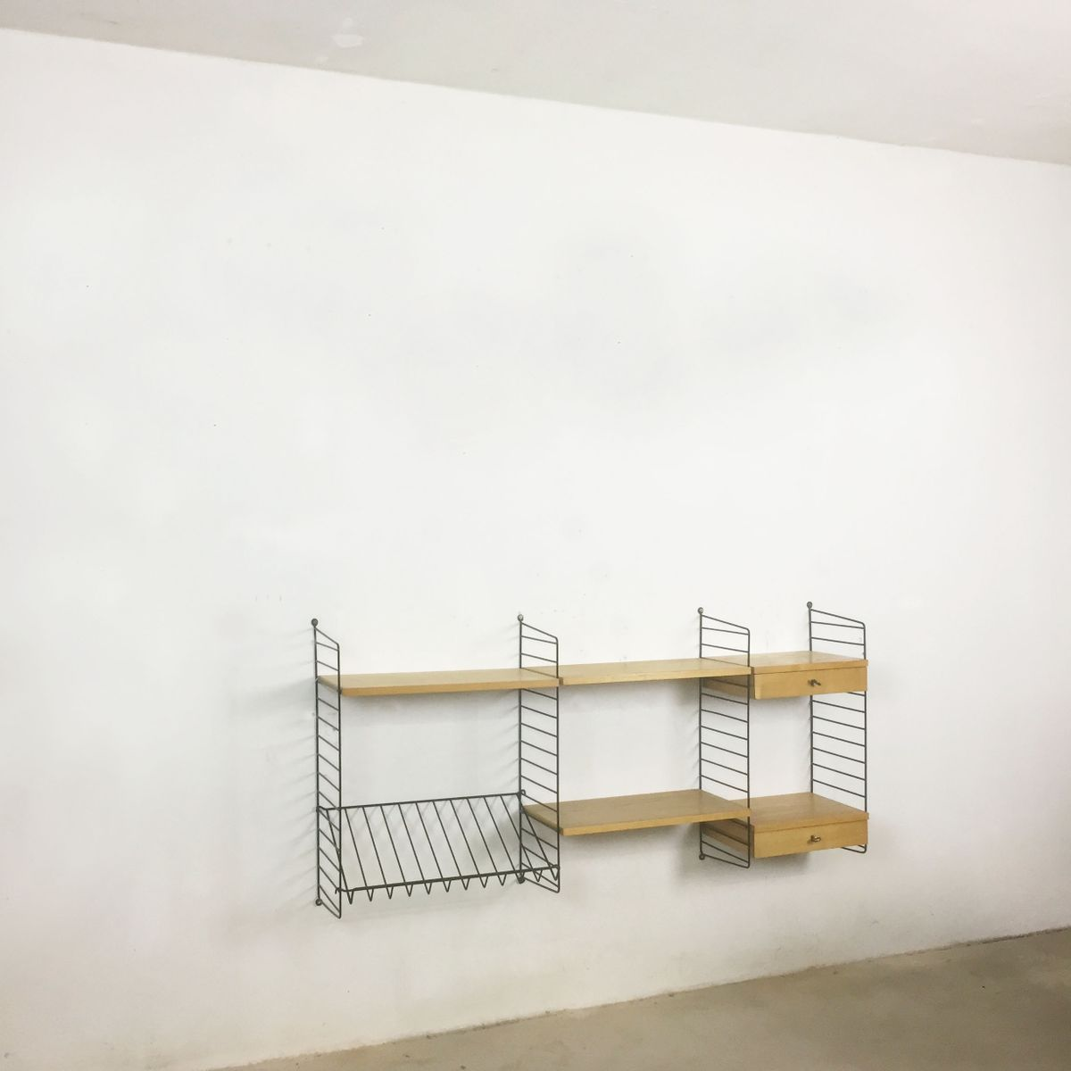 schwedisches wand regal system aus esche von nisse strinning f r string 1970er bei pamono kaufen. Black Bedroom Furniture Sets. Home Design Ideas