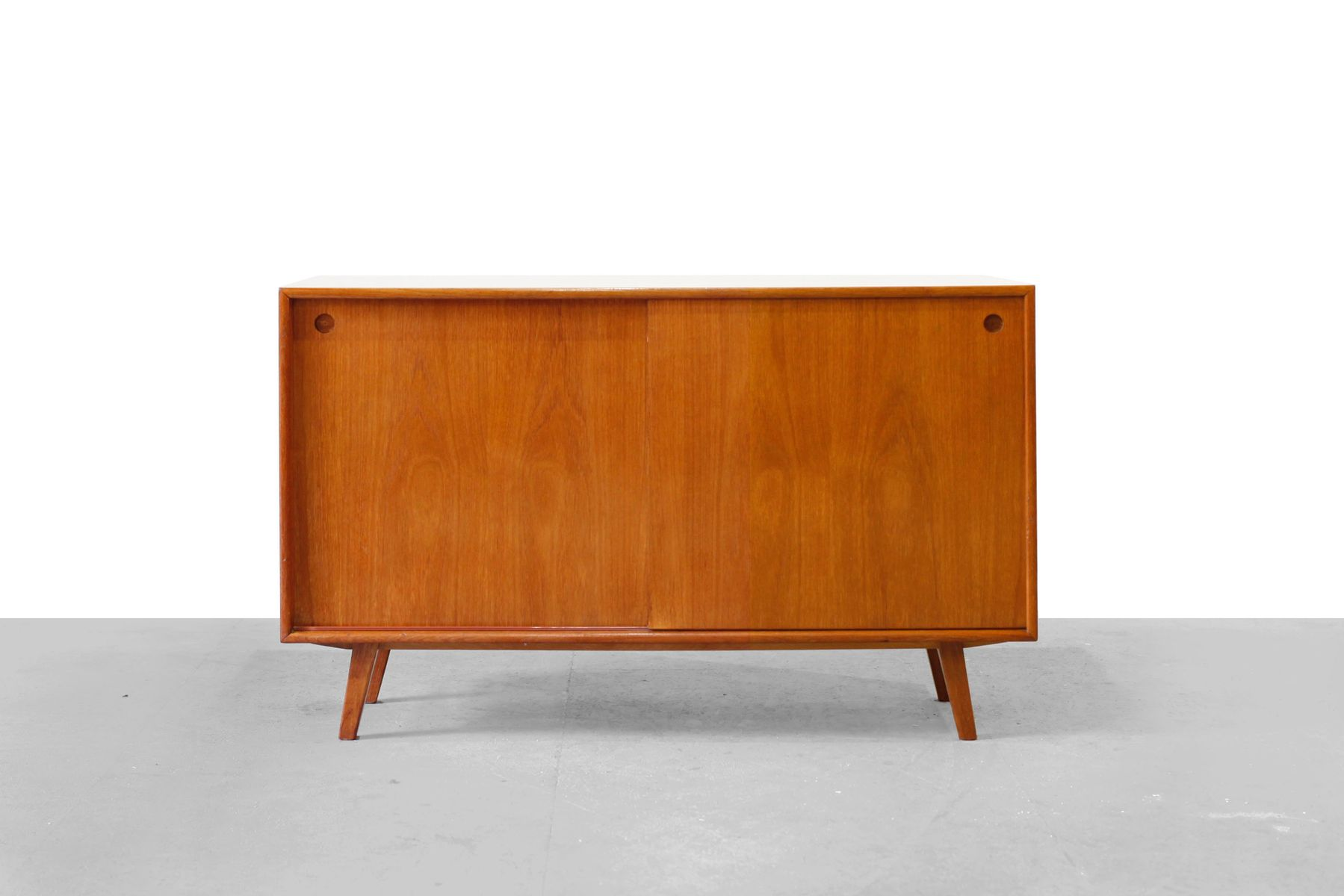 mid century walnut veneer sideboard 1950s for sale at pamono. Black Bedroom Furniture Sets. Home Design Ideas