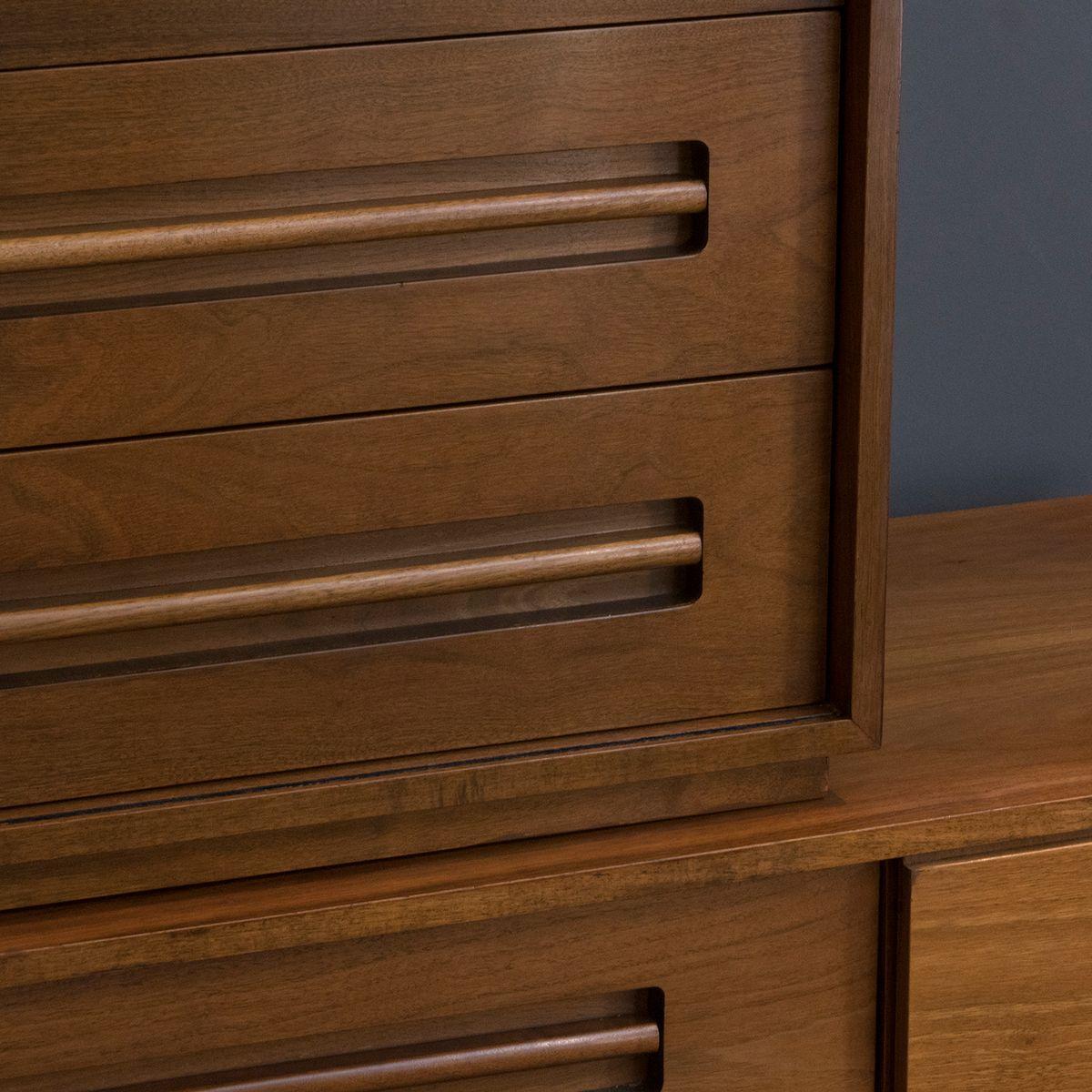 zweiteilige walnuss kommode 1960er bei pamono kaufen. Black Bedroom Furniture Sets. Home Design Ideas