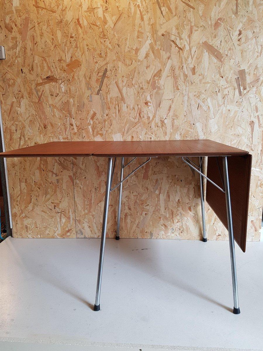 Table repliable mod le 3601 par arne jacobsen pour fritz for Table repliable sur mur