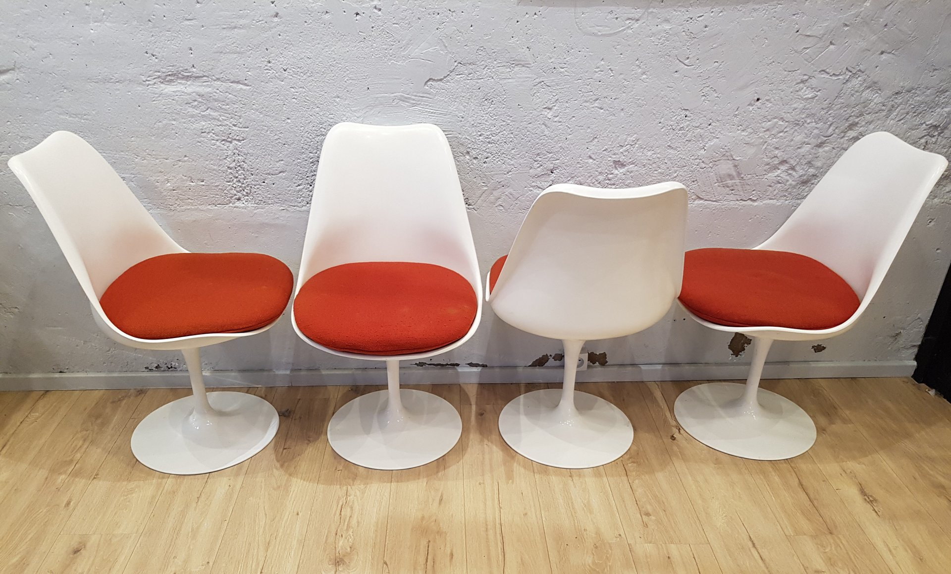 Vintage Tulip Chairs by Eero Saarinen for Knoll Set of 4 for sale