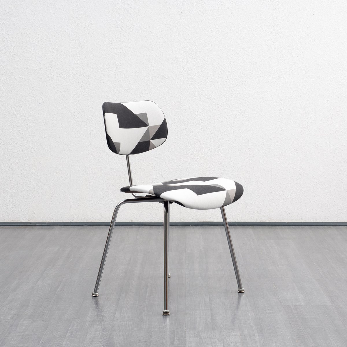 mid century se 68 chair by egon eiermann for wilde spieth for sale at pamono. Black Bedroom Furniture Sets. Home Design Ideas