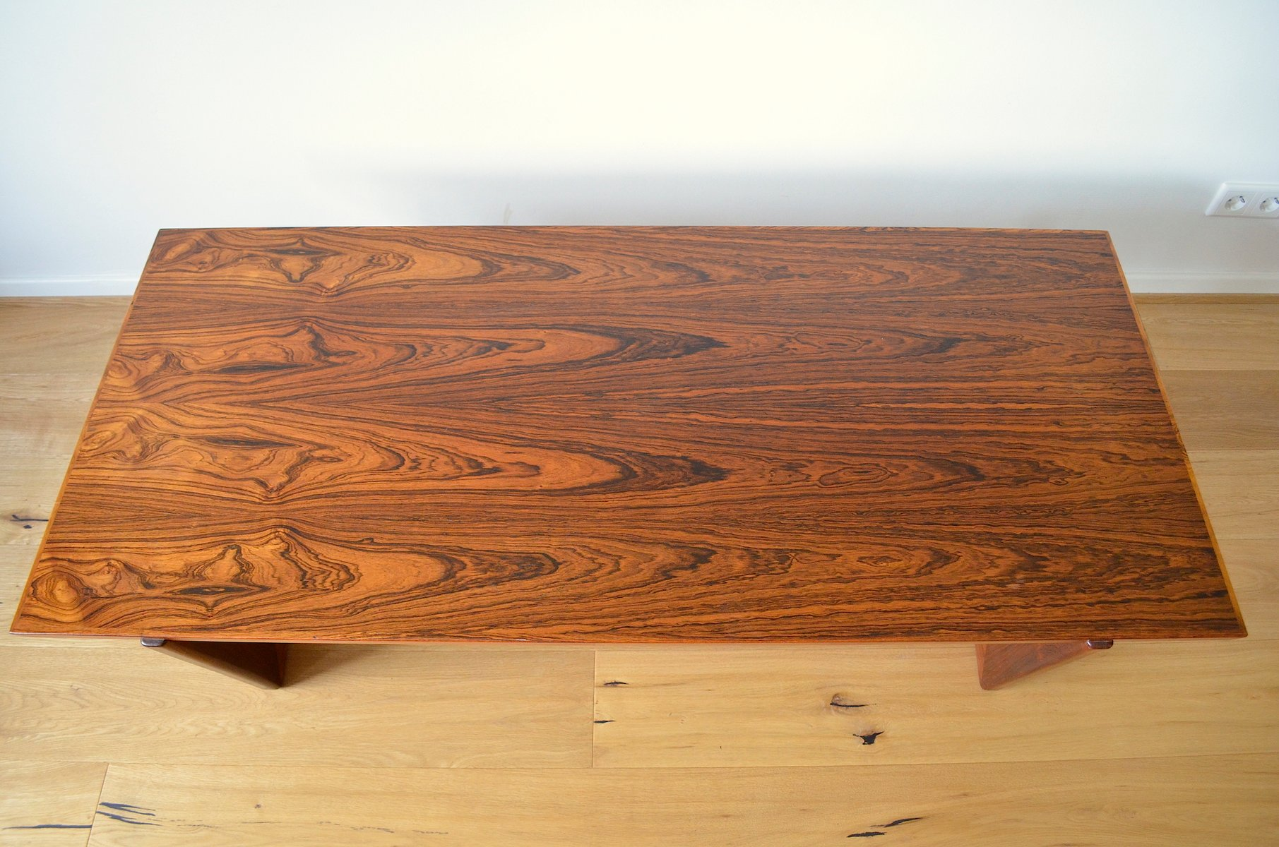 scandinavian rio rosewood veneer coffee table 1960s for. Black Bedroom Furniture Sets. Home Design Ideas