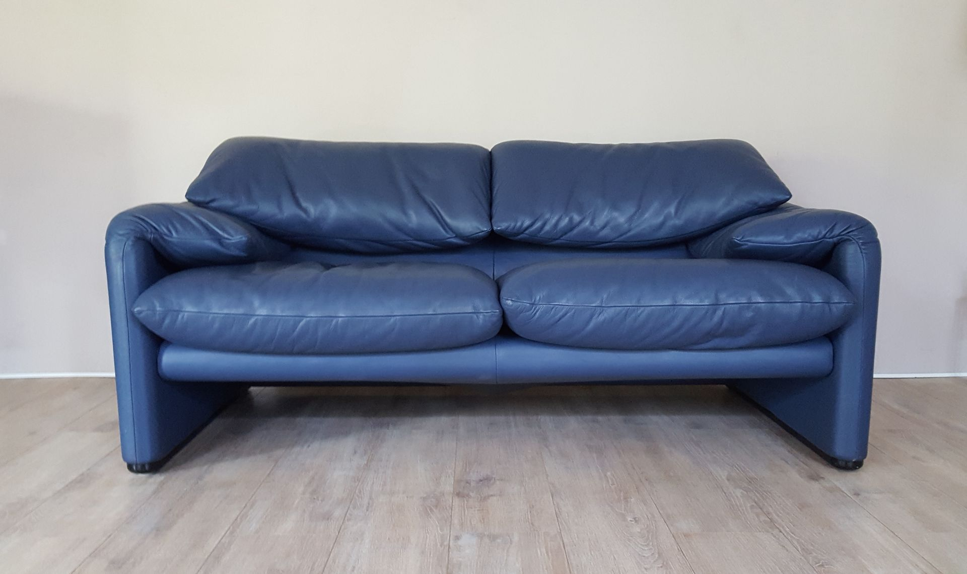 Maralunga 2 seater sofa in blue leather by vico Blue leather sofa