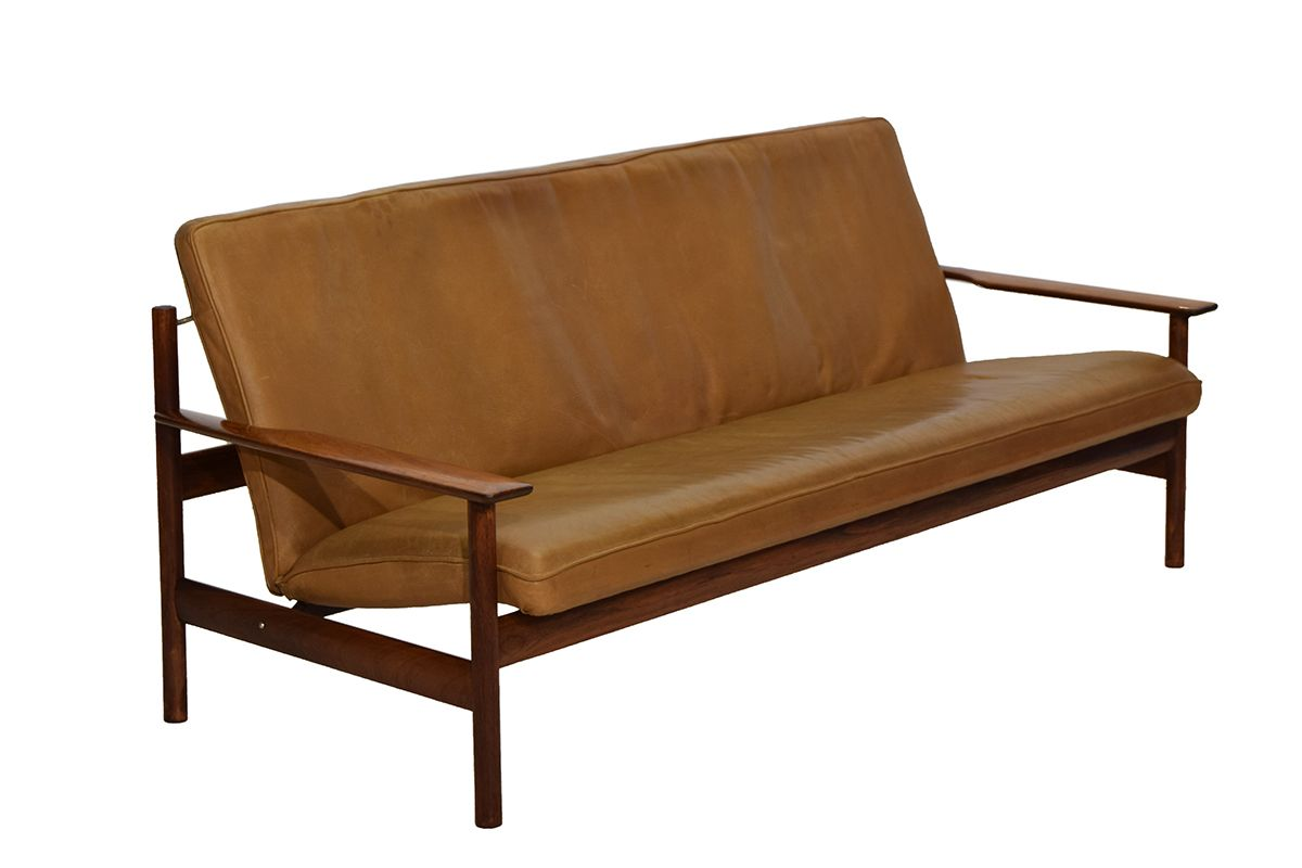 Leather solid rosewood three seater sofa by sven ivar for Sofa 7 seater