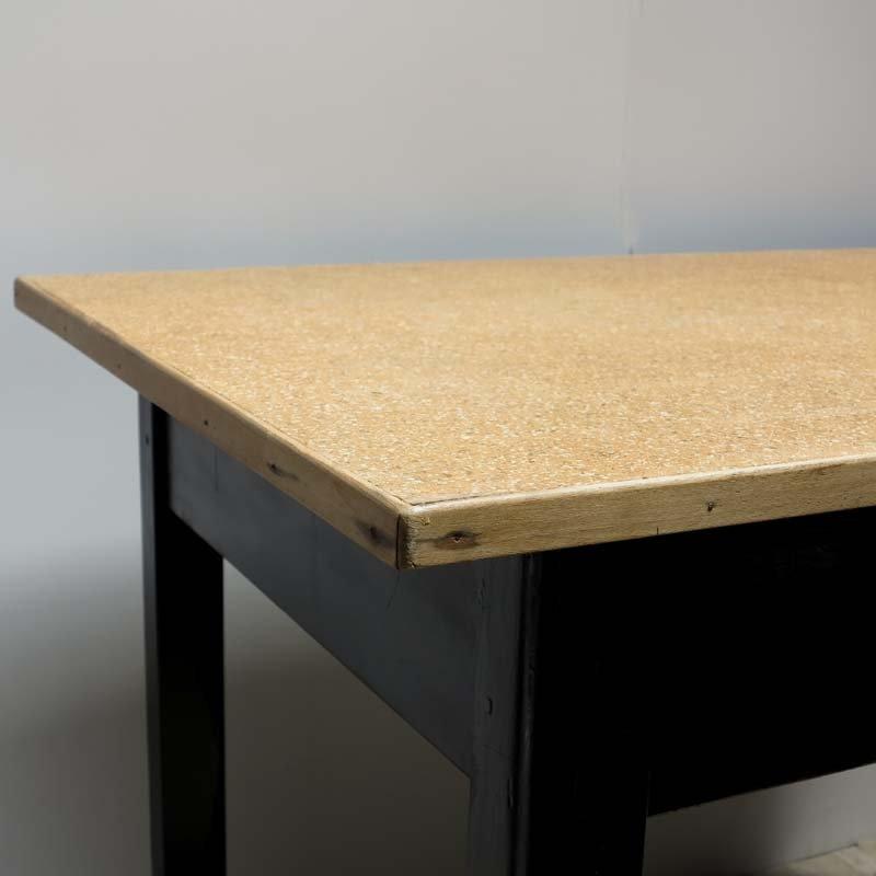 vintage tisch mit schublade 1930er bei pamono kaufen. Black Bedroom Furniture Sets. Home Design Ideas