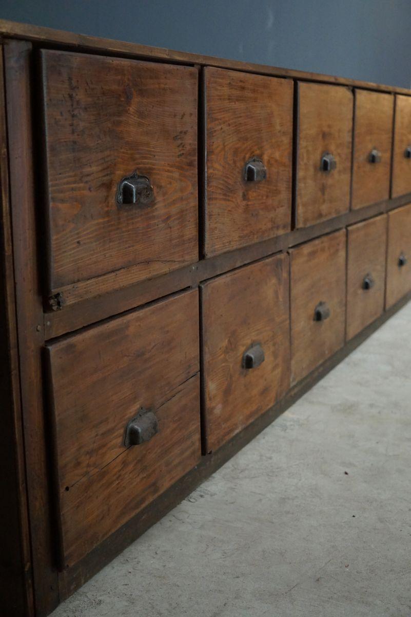 gro er franz sischer apothekerschrank aus kiefer 1950er bei pamono kaufen. Black Bedroom Furniture Sets. Home Design Ideas