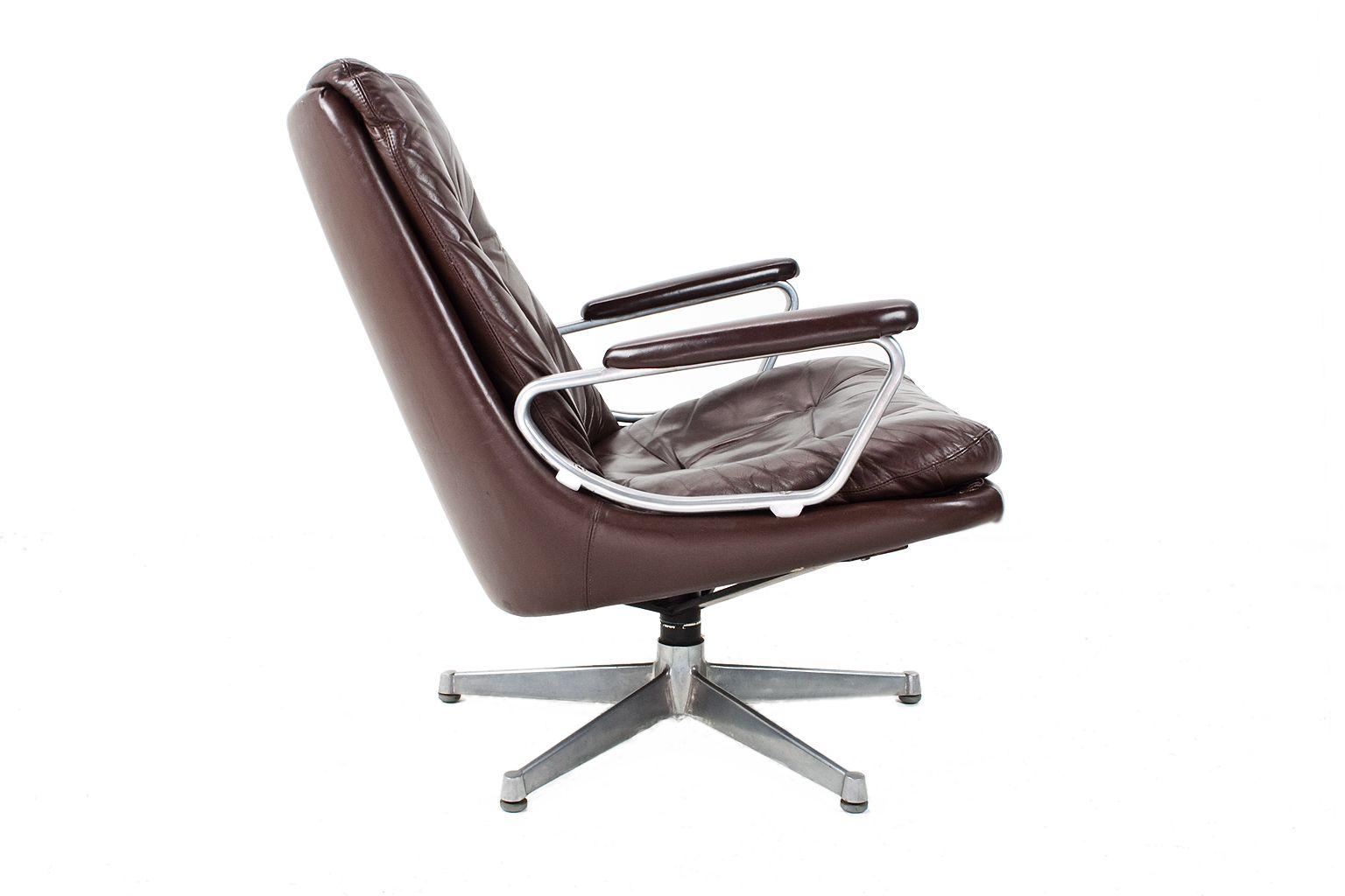 fauteuil pivotant gentilina vintage en cuir par andre. Black Bedroom Furniture Sets. Home Design Ideas