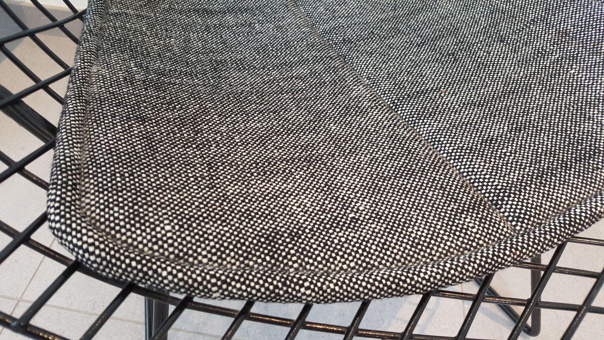 Bertoia diamond chair black - Black Diamond Chair By Harry Bertoia For Knoll 1950s
