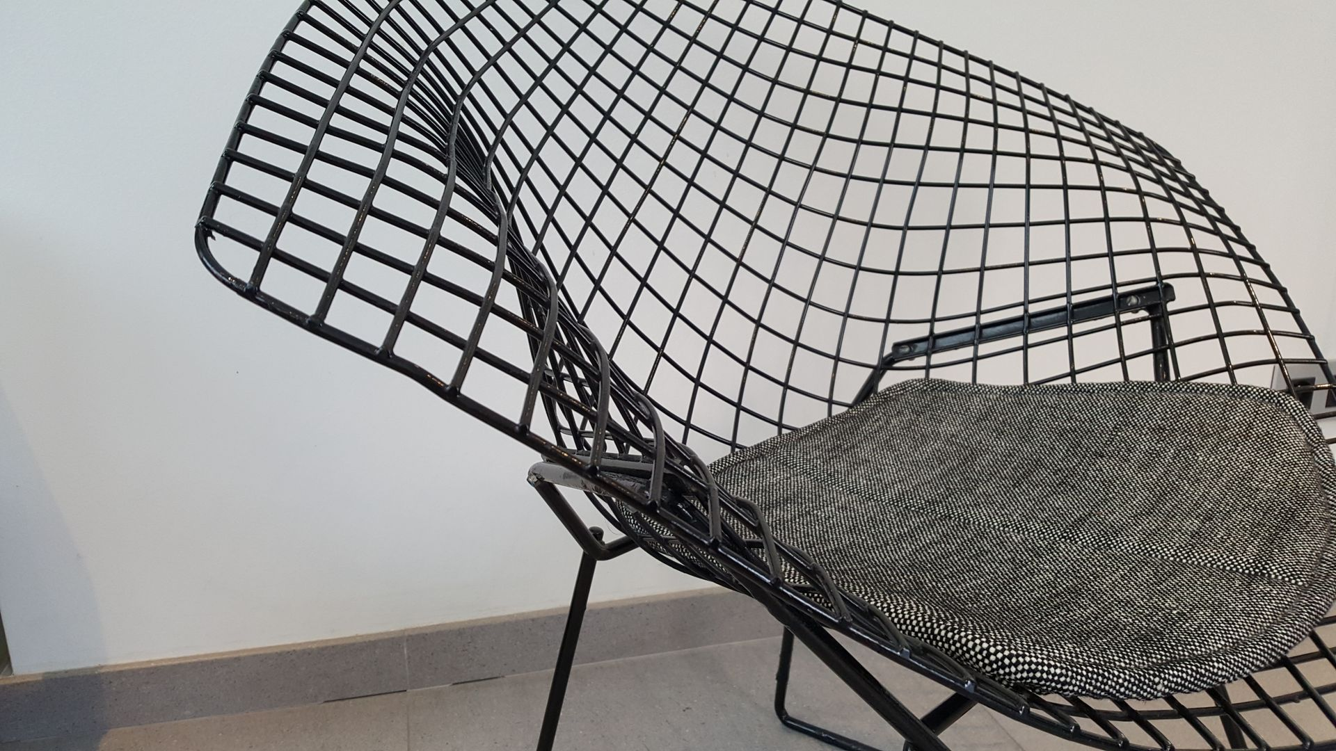 Black Diamond Chair by Harry Bertoia for Knoll 1950s for sale at
