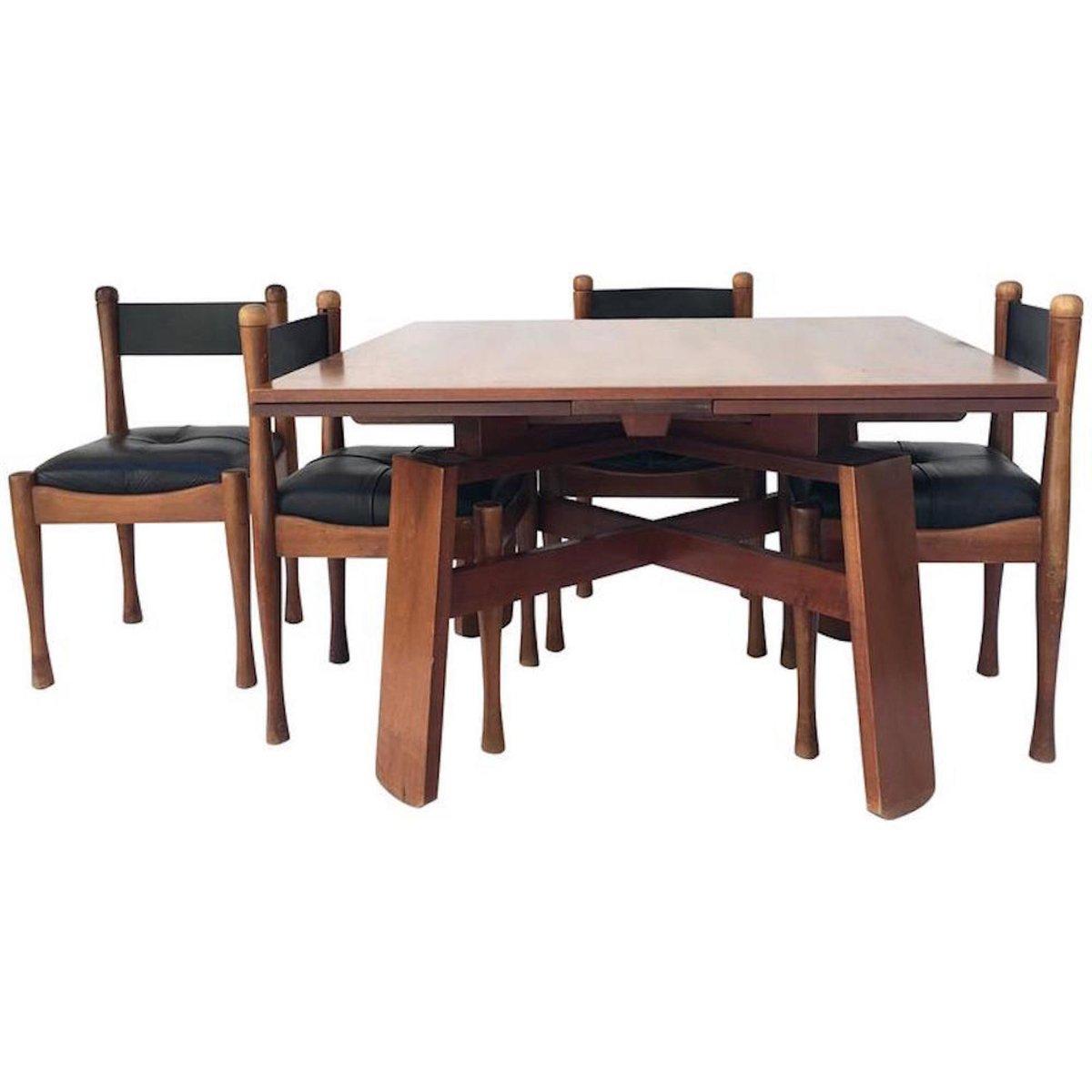 esstisch mit vier st hlen von silvio coppola f r bernini. Black Bedroom Furniture Sets. Home Design Ideas