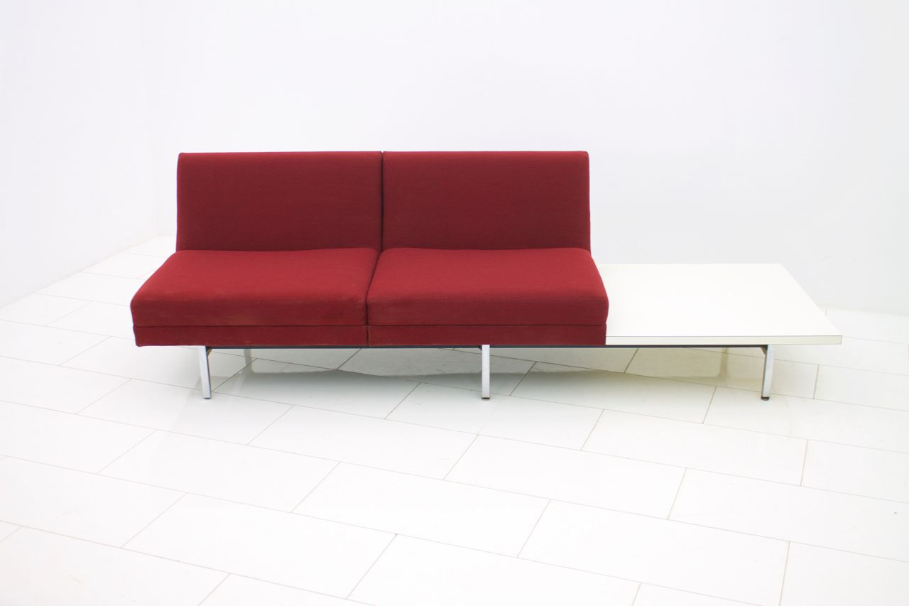 Modular sofa with table by george nelson for herman miller for Sofa table rules