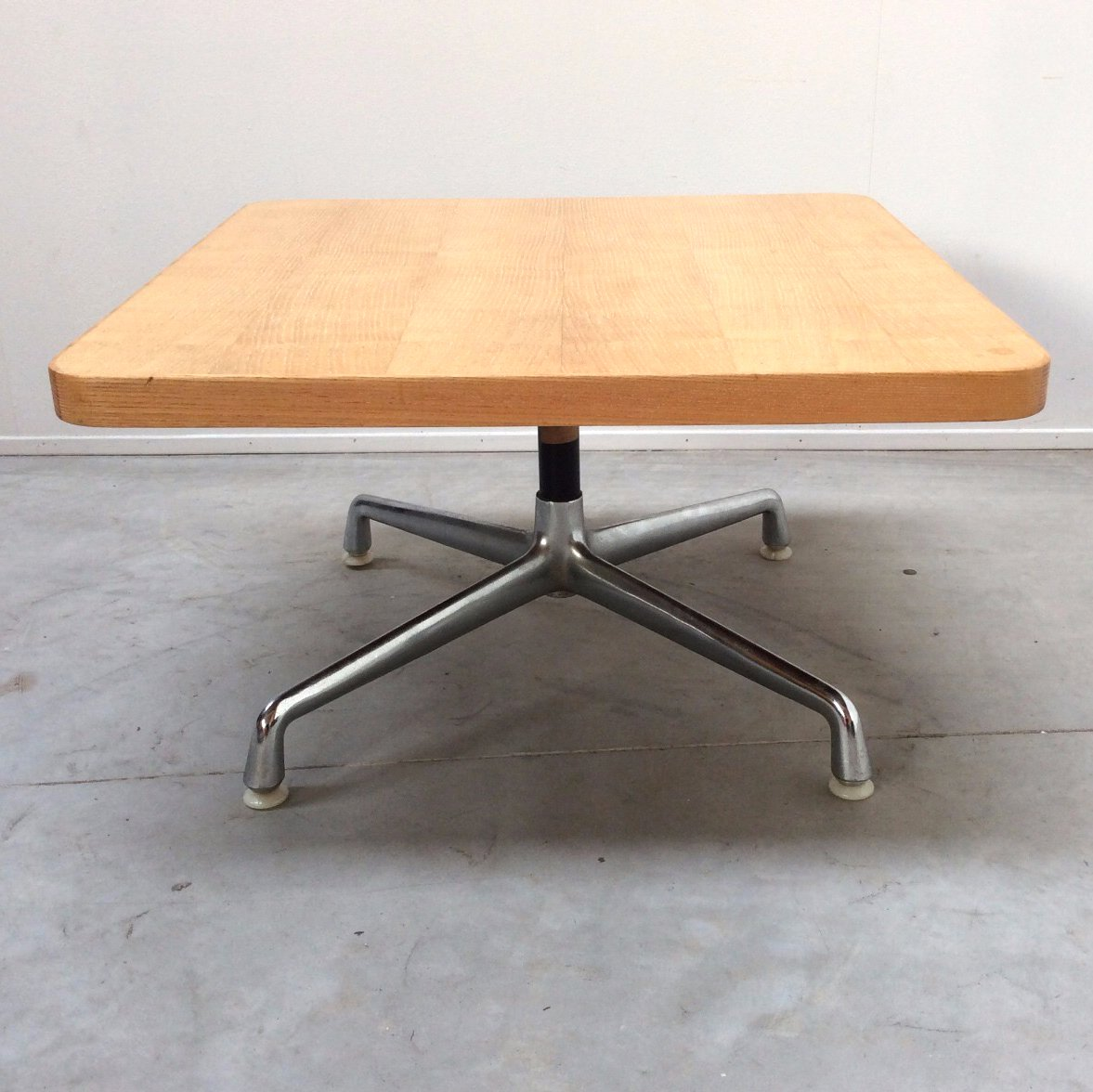 Vintage American Coffee Table by Charles Eames for Herman Miller