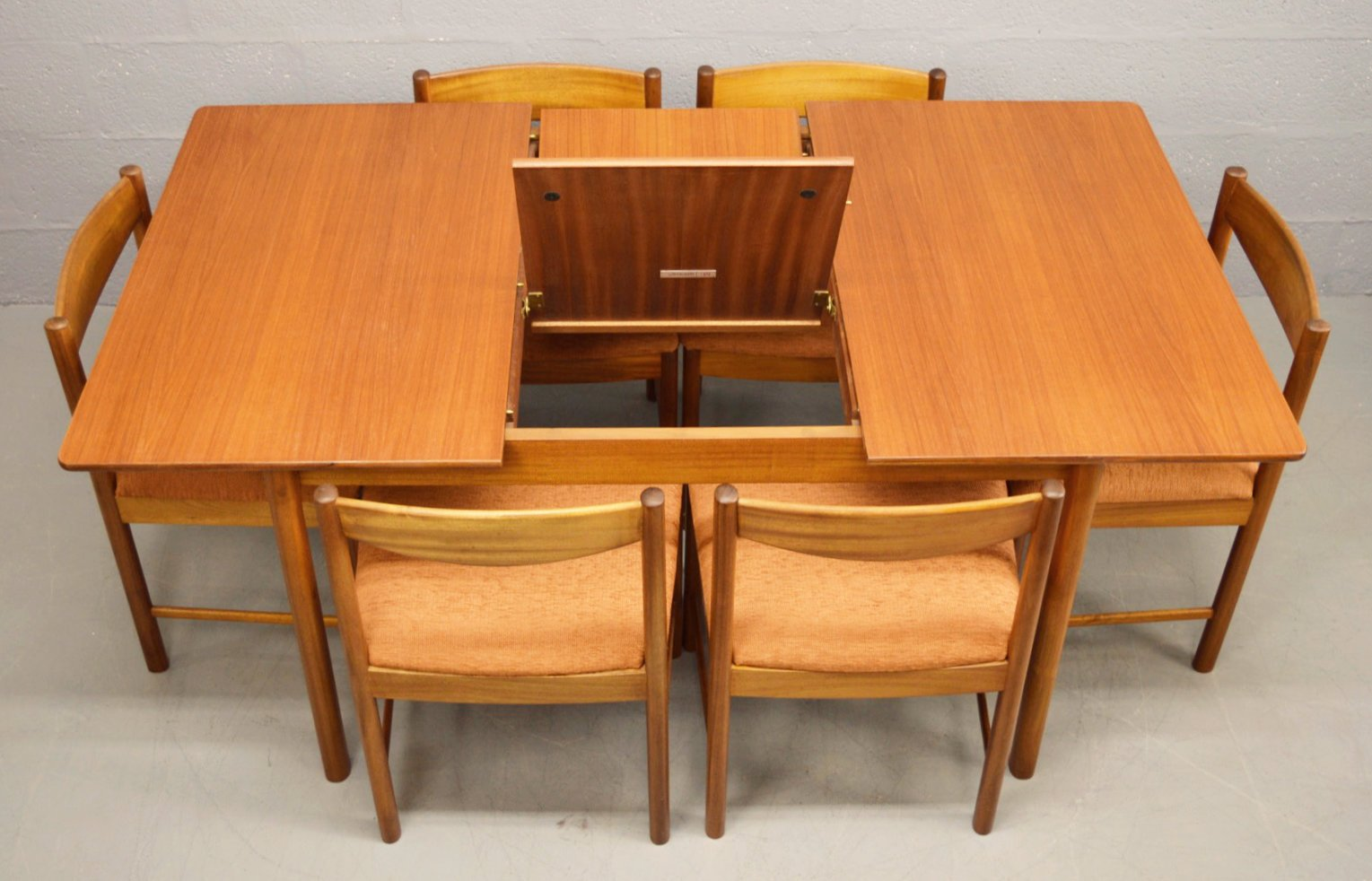 mid century teak extendable dining table and 6 chairs from mcintosh for sale at pamono. Black Bedroom Furniture Sets. Home Design Ideas