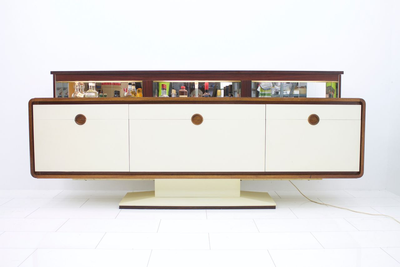 German Rosewood Sideboard with Mirrored Bar, 1970s - German Rosewood Sideboard With Mirrored Bar, 1970s For Sale At Pamono