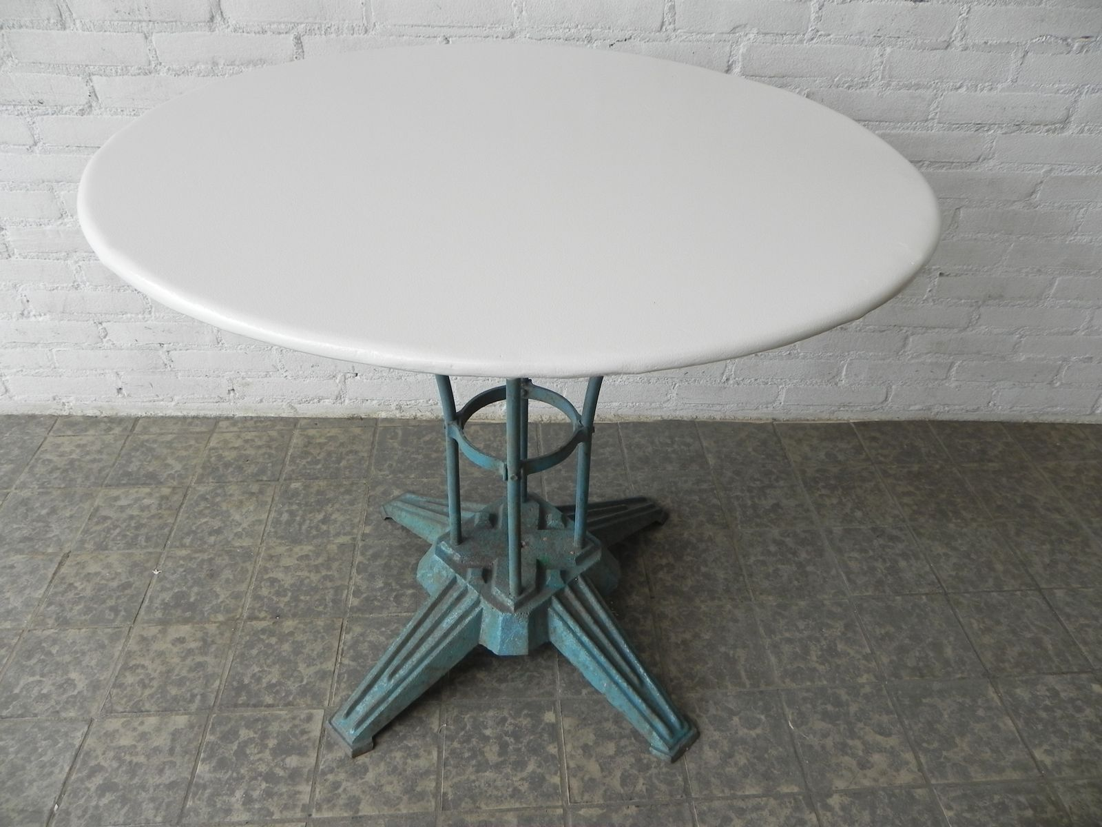 art deco french steel garden table with cast iron foot for sale at pamono. Black Bedroom Furniture Sets. Home Design Ideas