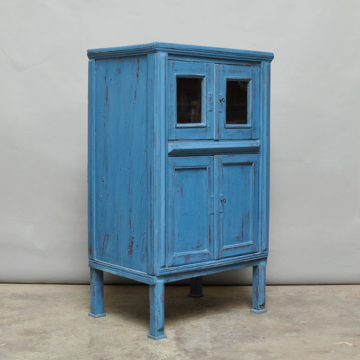 Vintage hungarian small pine cabinet 1930s for sale at pamono for 1930s kitchen cabinets for sale