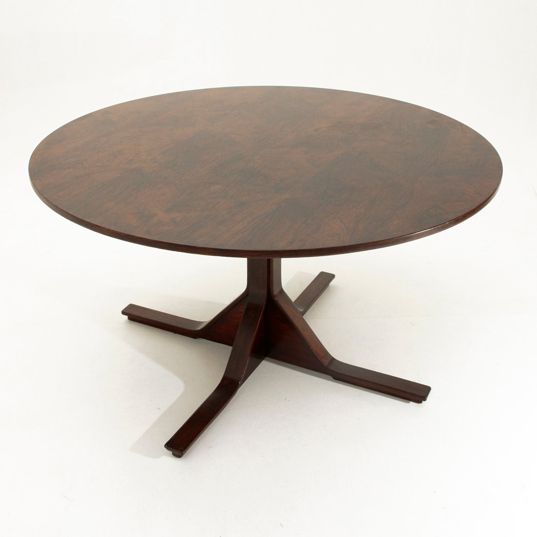 mid century modell 522 esstisch von gianfranco frattini f r bernini bei pamono kaufen. Black Bedroom Furniture Sets. Home Design Ideas