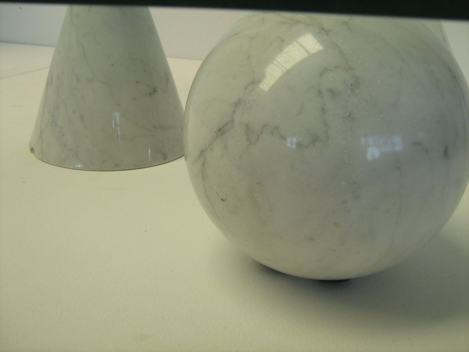 Solid White Toy Marbles : Coffee table with solid white marble figures s for
