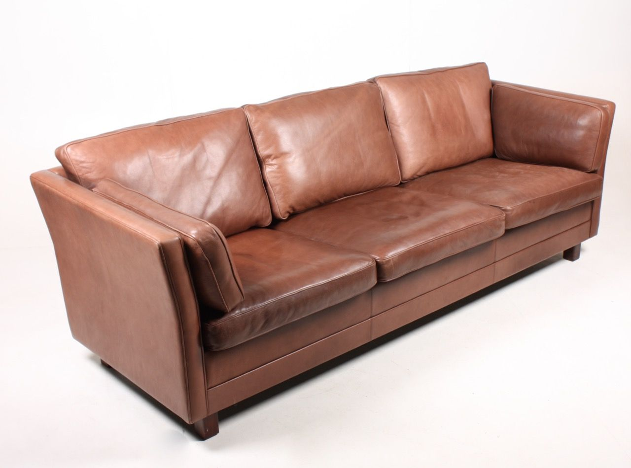 Danish three seater leather sofa 1980s for sale at pamono for Leather sofa 7 seater