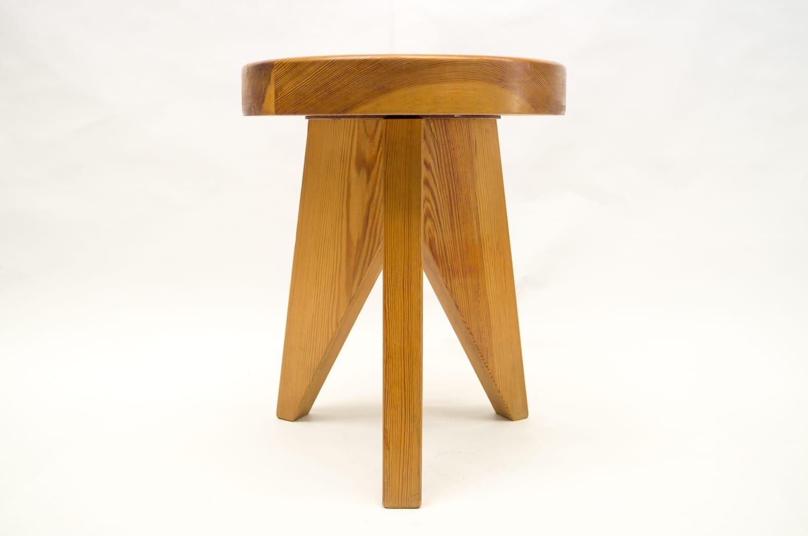 franz sischer dreibein hocker aus holz 1960er bei pamono. Black Bedroom Furniture Sets. Home Design Ideas