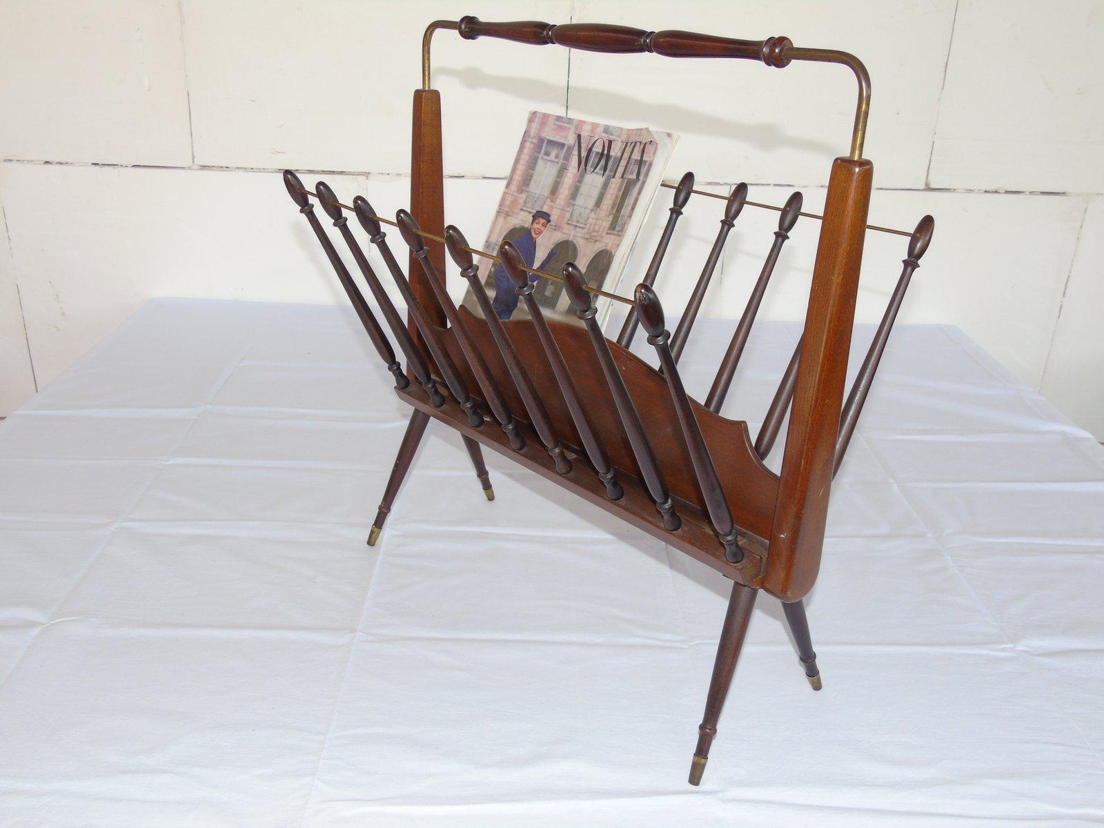 italienischer holz zeitungsst nder 1950er bei pamono kaufen. Black Bedroom Furniture Sets. Home Design Ideas