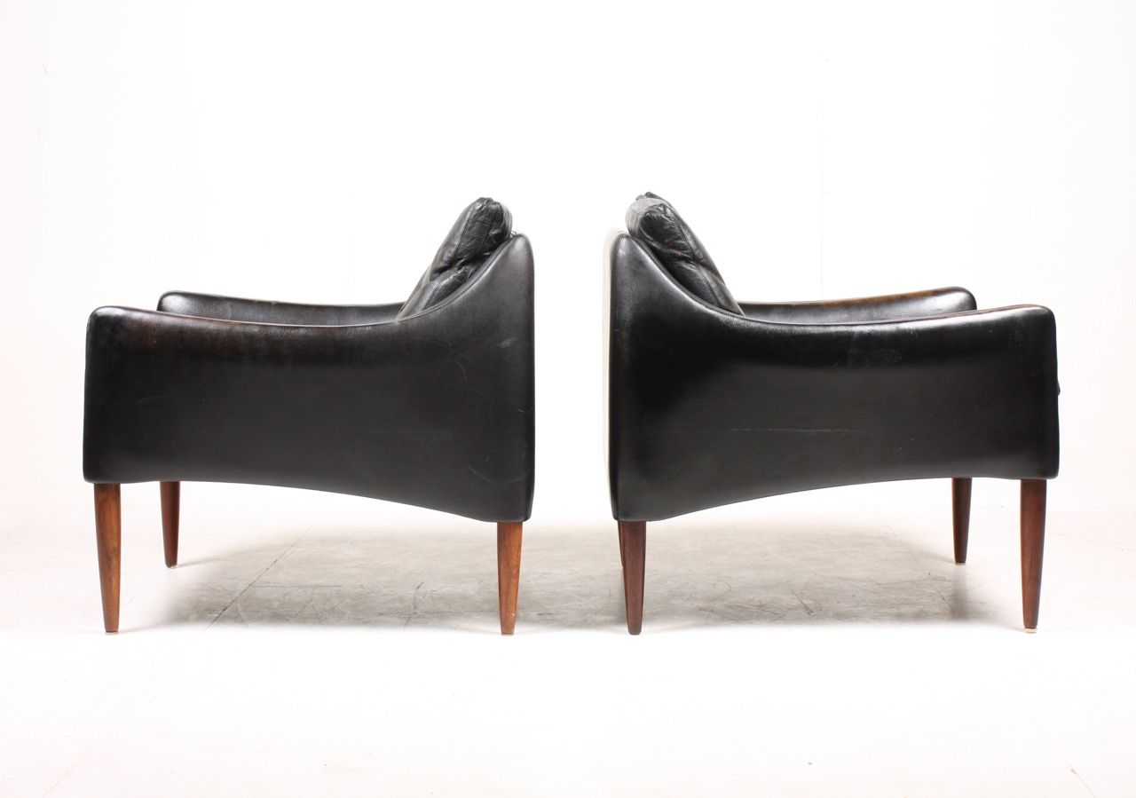Mid Century Lounge Chairs By Hans Olsen Set Of 2 For Sale