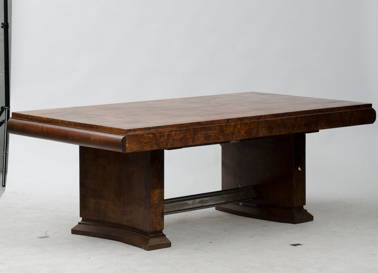 Vintage art deco dining table for sale at pamono for Table de nuit art deco