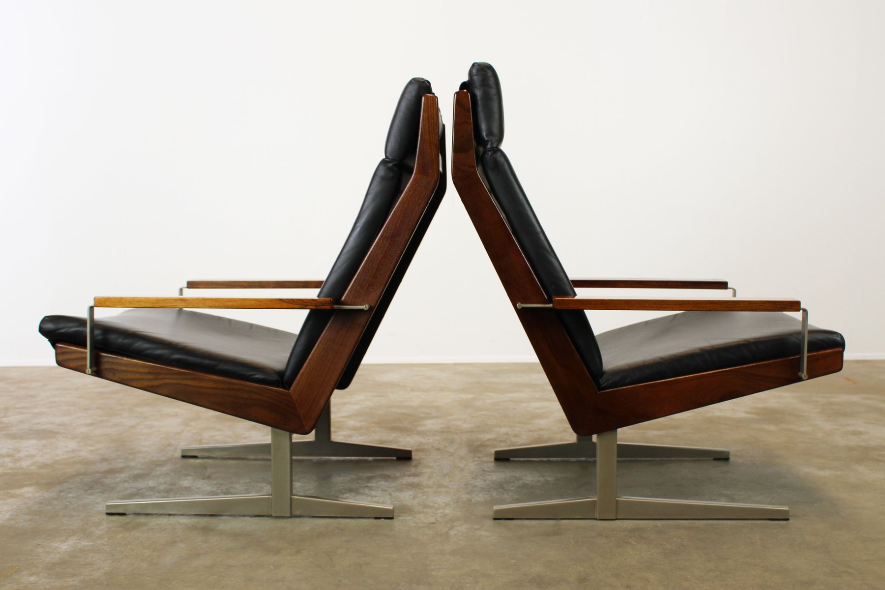 Vintage Lotus Lounge Chairs with T Feet by Rob Parry for