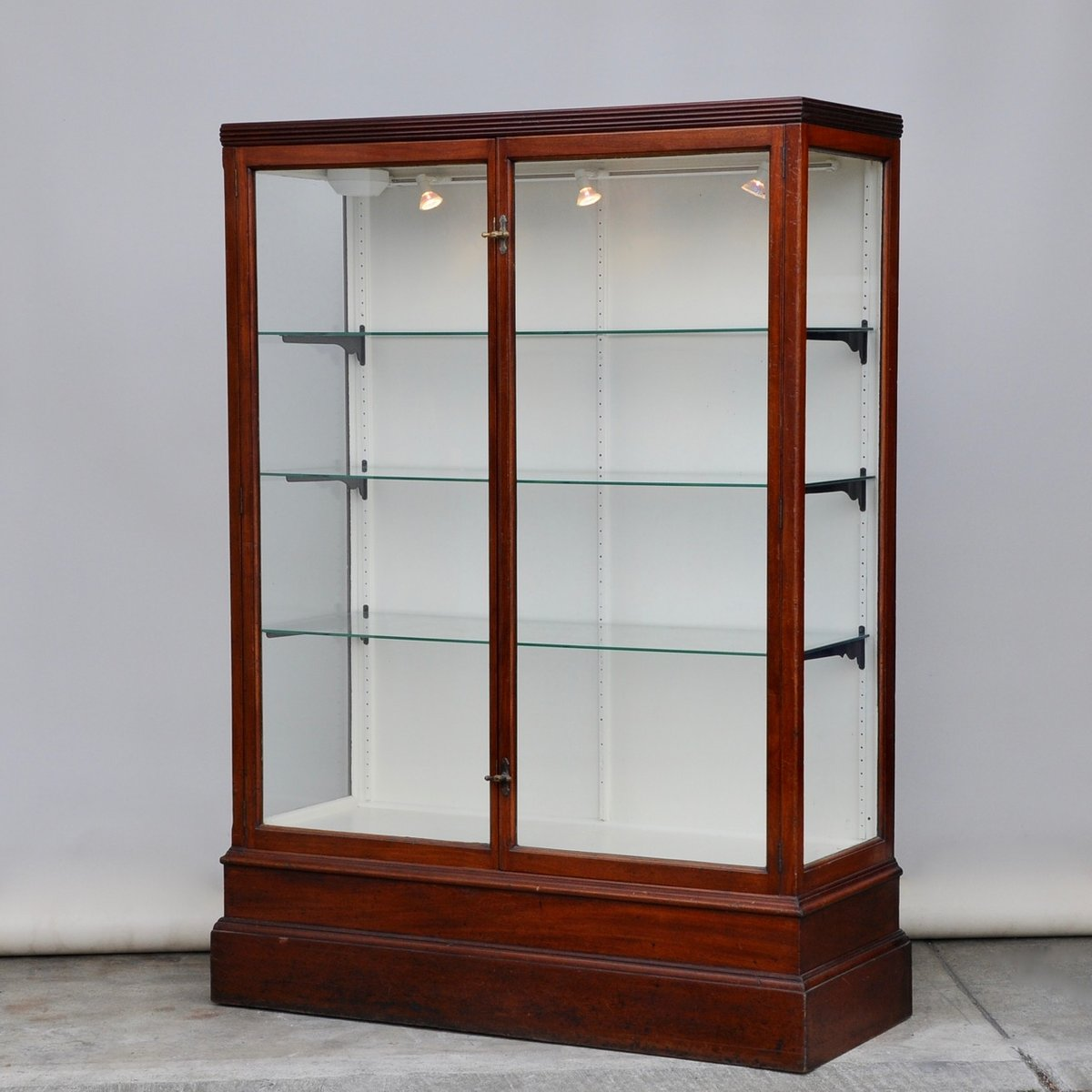 Antique mahogany shop display cabinet for sale at pamono for Antique display cabinet
