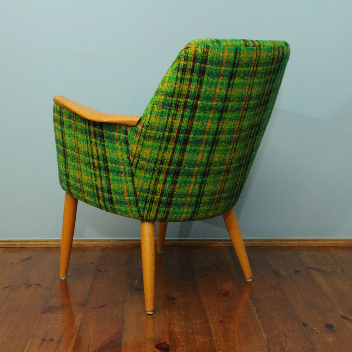 gr ner d nischer tartan sessel 1960er bei pamono kaufen. Black Bedroom Furniture Sets. Home Design Ideas