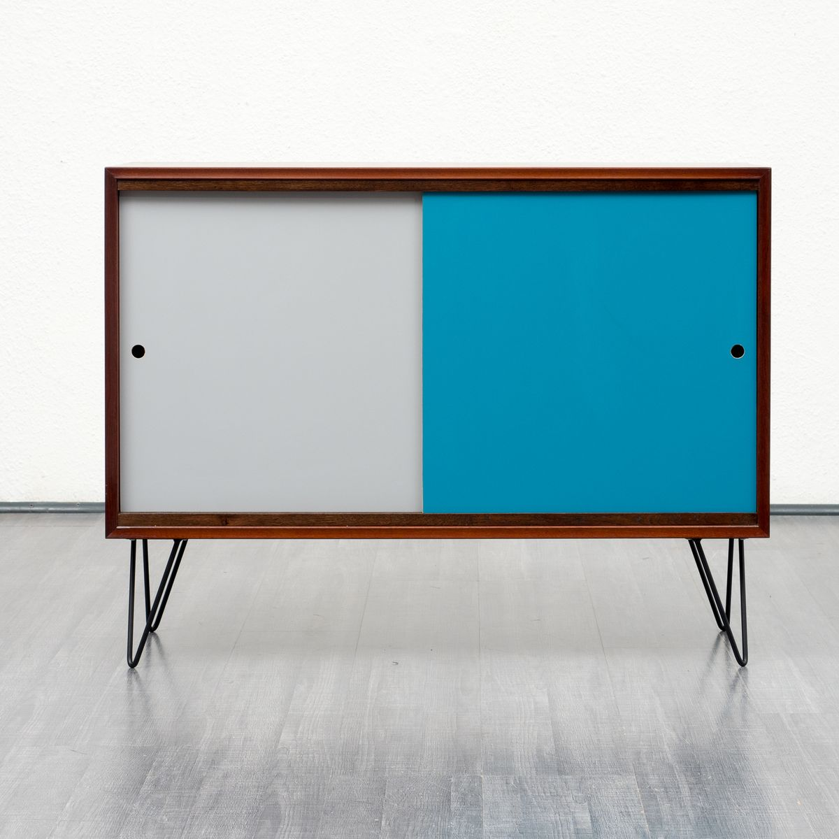 mid century teak sideboard mit farbigen t ren 1960er bei. Black Bedroom Furniture Sets. Home Design Ideas