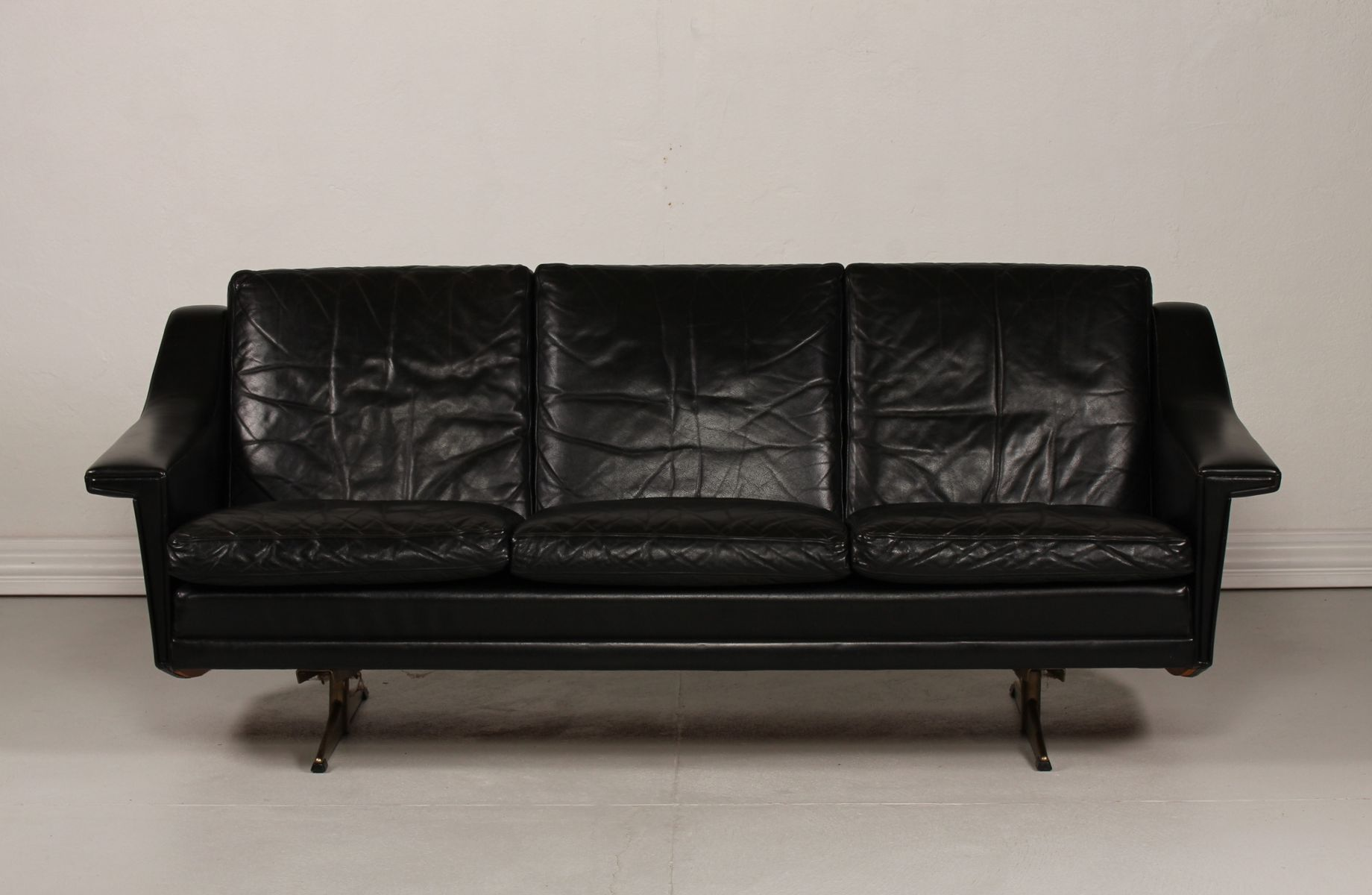 Mid Century Danish Leather 3 Seater Sofa 1960s for sale at Pamono