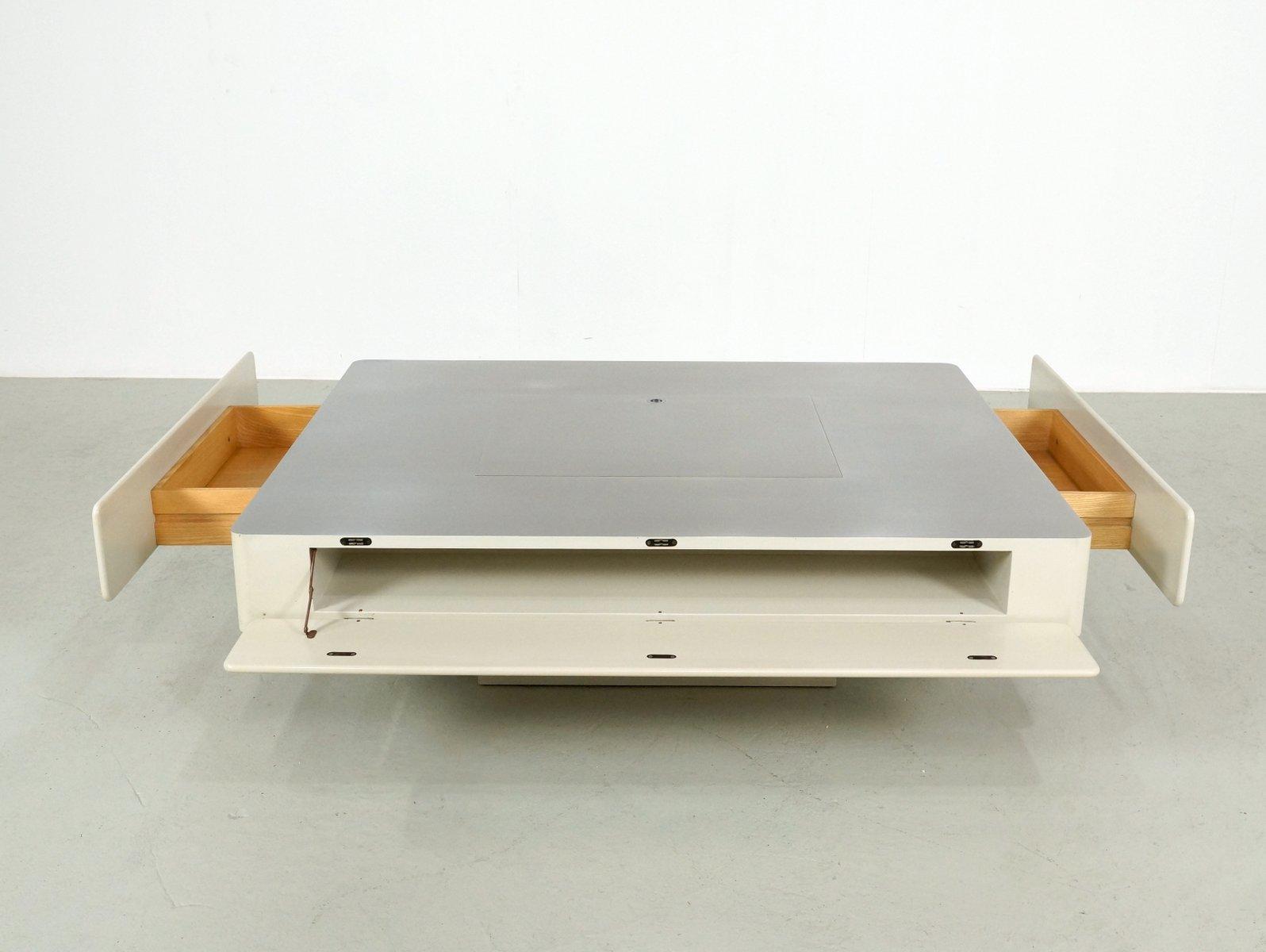 cremefarbener caori couchtisch mit aufbewahrung f r schallplatten von vico magistretti f r. Black Bedroom Furniture Sets. Home Design Ideas