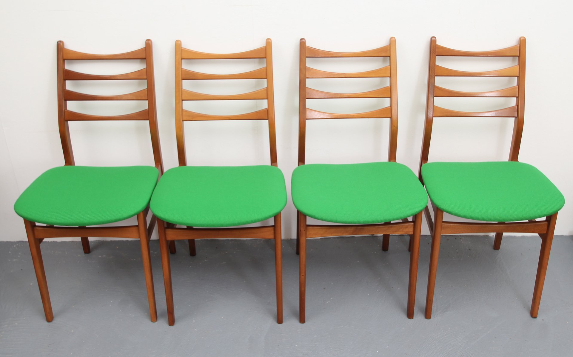 Grass green chairs 1950s set of 4 for sale at pamono for Furniture 1950