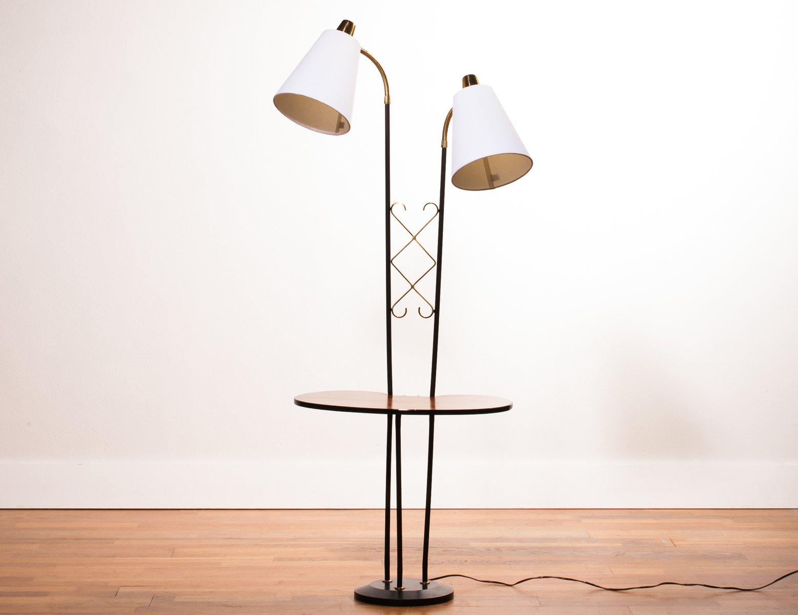 Stehlampe mit zwei leuchten und ablage 1950er bei pamono for Stehlampe mit kristallen