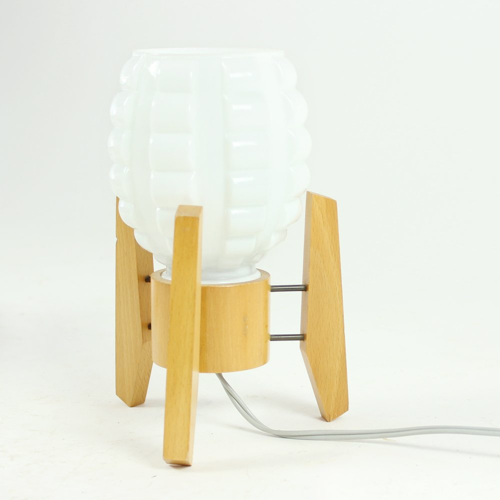 Lampade da tavolo in legno e vetro bianco di drevo humpolec anni 39 60 set di 2 in vendita su pamono - Lampade da tavolo in legno ...