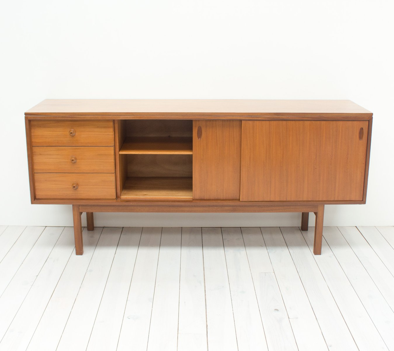 mid century teak sideboard from gordon russell for sale at pamono. Black Bedroom Furniture Sets. Home Design Ideas
